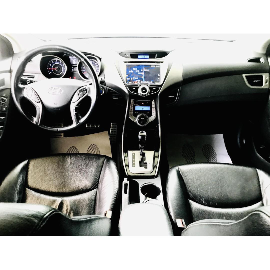 2013 Hyundai Elantra 1.8 GLS 旗艦型  車子原本就帥改下去又更帥😍