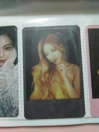 (want to trade) (want to sell) Blackpink Rose polaroid Photocard official black version