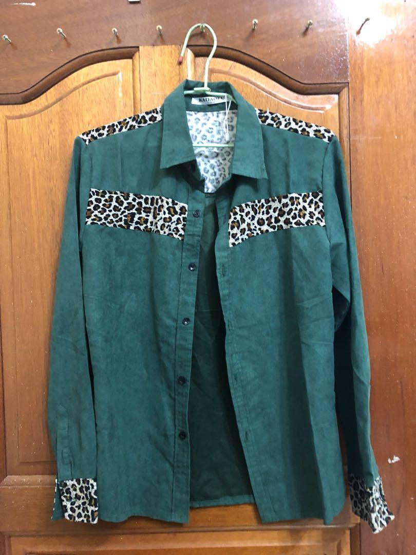 豹紋綠色襯衫