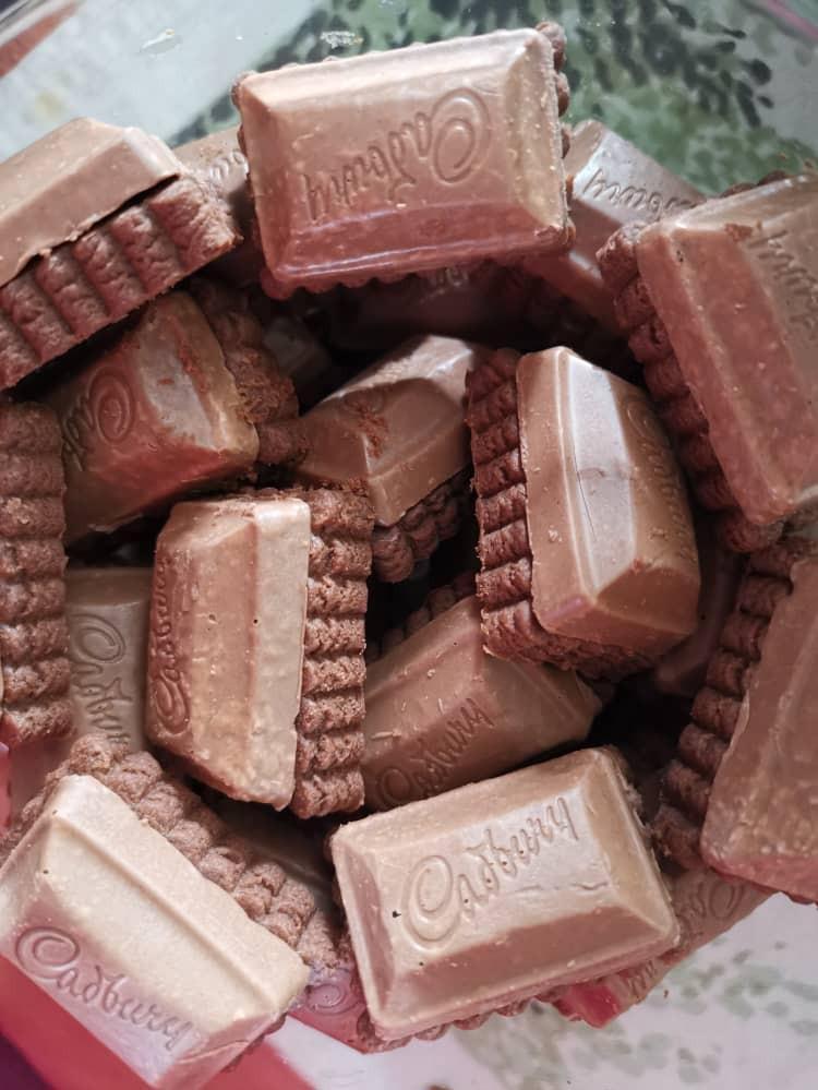 Cadbury Chocolate Cheese Cookies