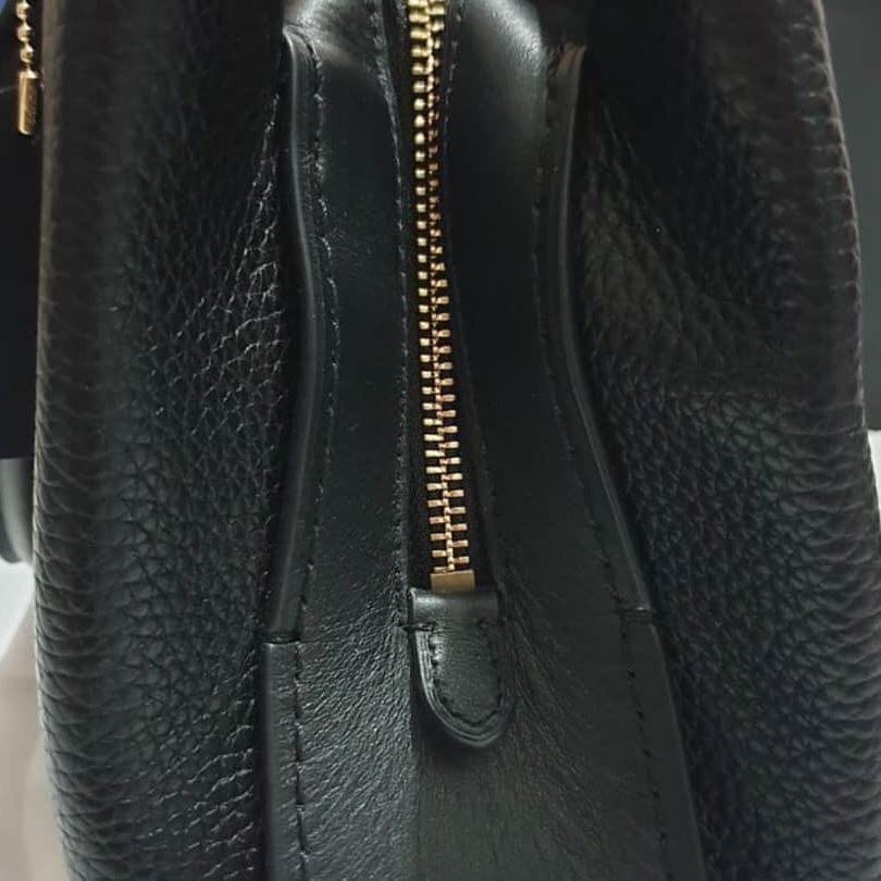 Coach Brookyln Carryall 28 ori butik Authentic warna black Like New