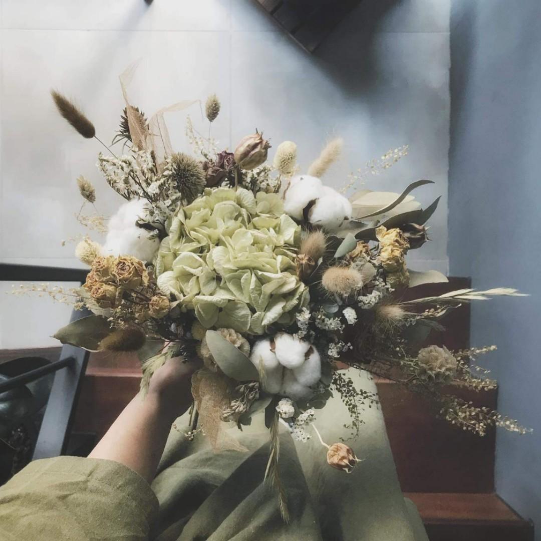 FIONE Cotton Flower & Hydrangea Bouquet