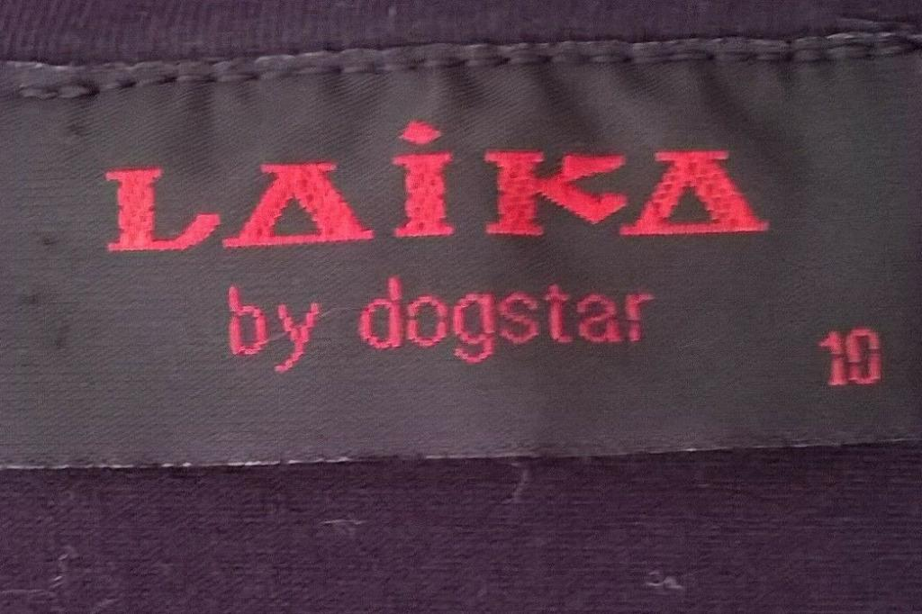 Laika by Dogstar long black top size 10-12 with Japanese-style applique