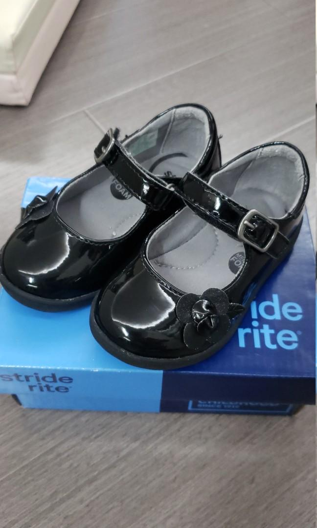 Stride rite Girls Black leather shoes