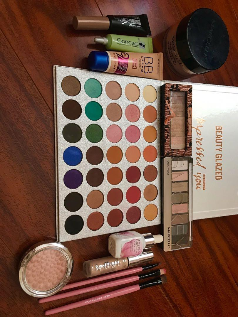 Makeup wholesale $200  Conditions *New and like new