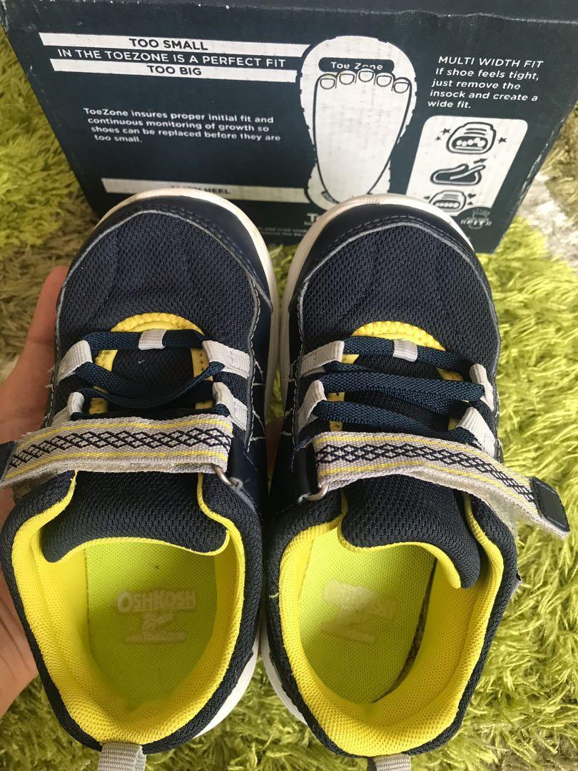 Sepatu anak Osh Kosh Bgosh