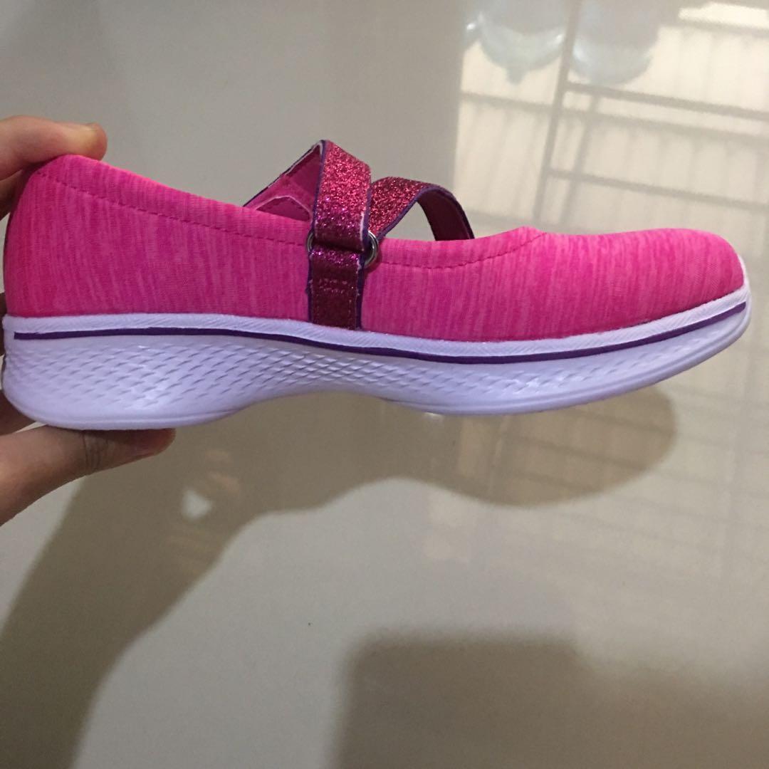 skechers goga max (new, EUR 28.5) sepatu anak perempuan