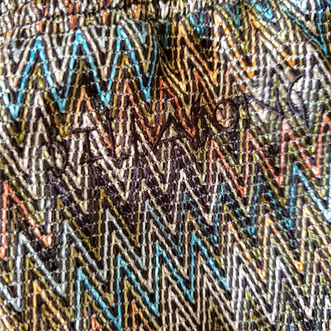 Women's size 12 'BILLABONG' Gorgeous multicoloured zig zag pattern pants- AS NEW