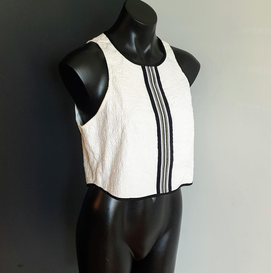 Women's size 12 'SHEIKE' Stunning ivory black trim exposed zip crop top -AS NEW