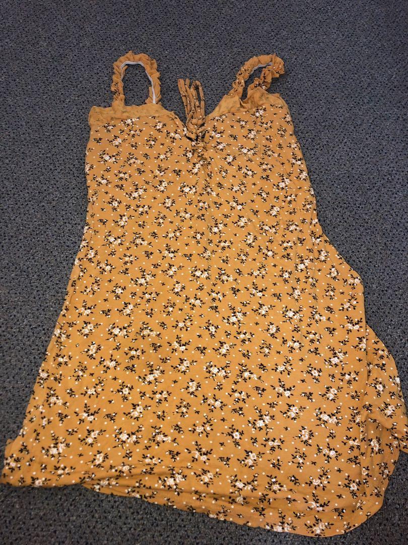 Yellow sundress size 10