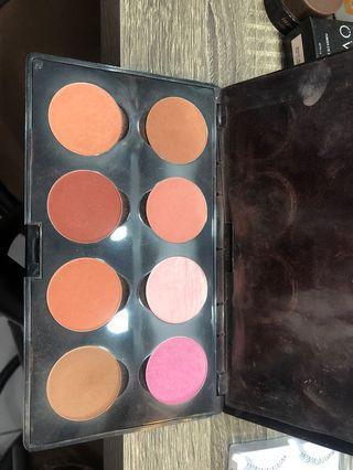 Makeover blush pallete