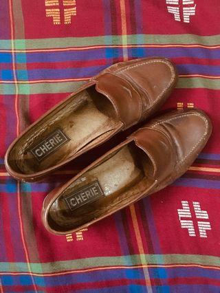 Preloved brown loafers US 8-8.5