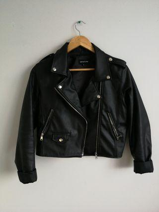 Cropped leather Jacket from PrettyLittleThing.com