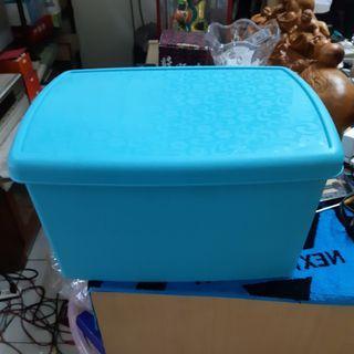 塑料衣物收納箱 / 玩具收納箱