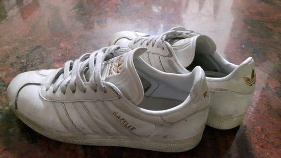 adidas愛迪達鞋