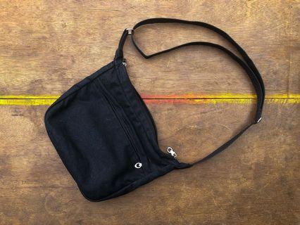 Sling bag Kanvas hitam Selempang Kanvas hitam polos