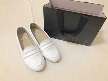 Made in Taiwan 淑女樂福鞋小白鞋平底休閒鞋#恭喜旋轉七歲囉!