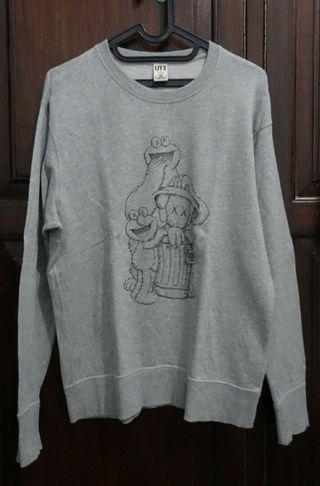 UNIQLO Kaws x Sesame Street Sweater