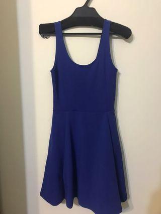H&M寶藍色U背洋裝