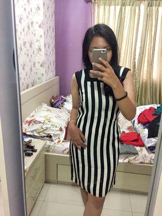 Black & White Stripes Mididress
