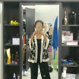 Outer Kimono Motif Hitam Putih