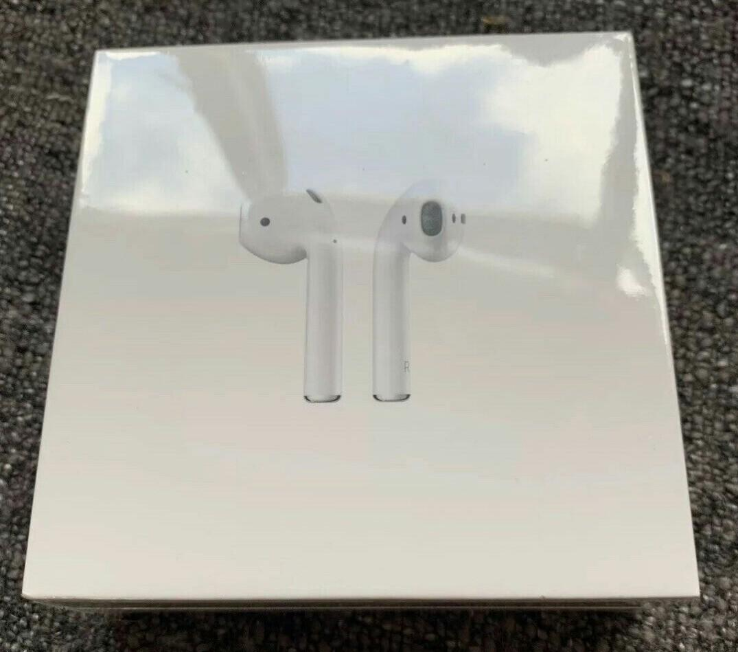 apple airpods 2 wireless charging case  [ sealed and brand new