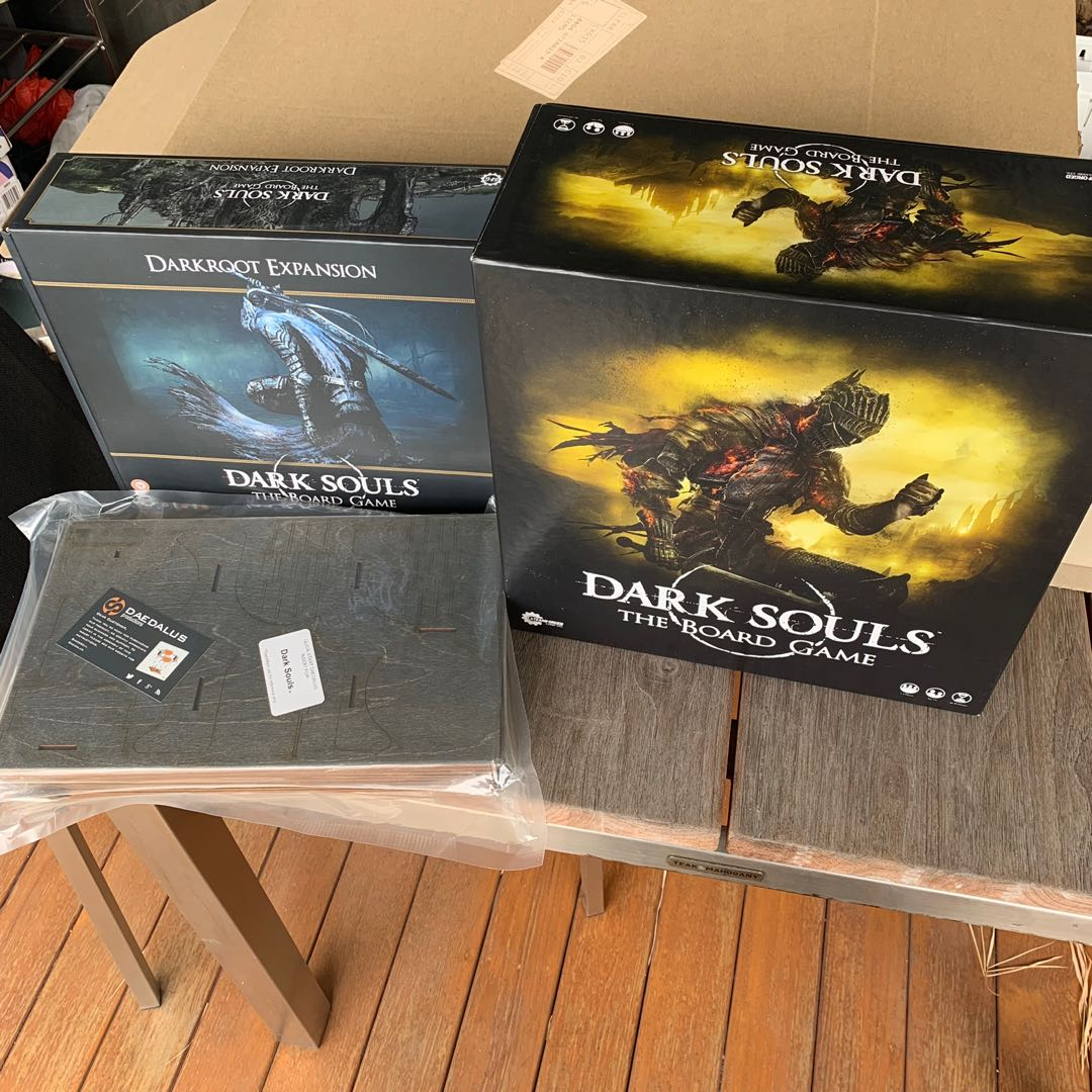 Dark Souls Board Game + Darkroot Expansion + Daedalus insert