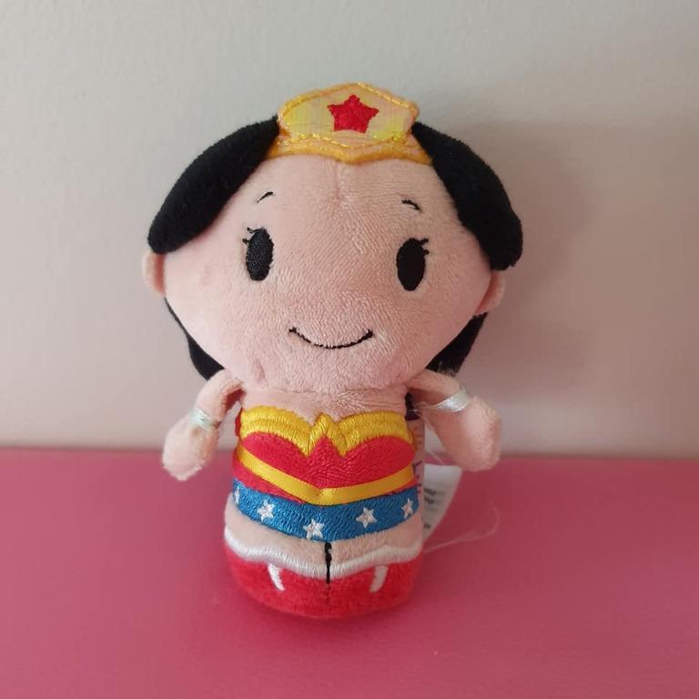 Guc Itty Bittys DC Heroes Wonder Women plush Some fraying the item