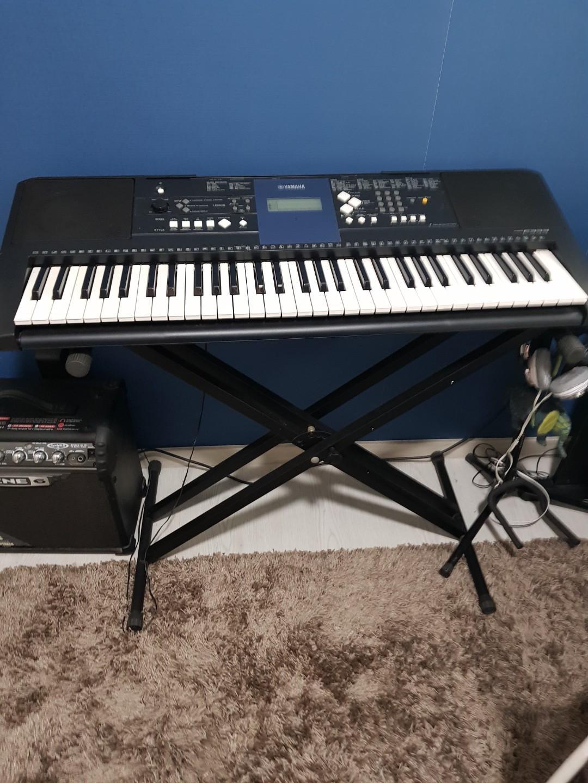 Hardly used Yamaha keyboard