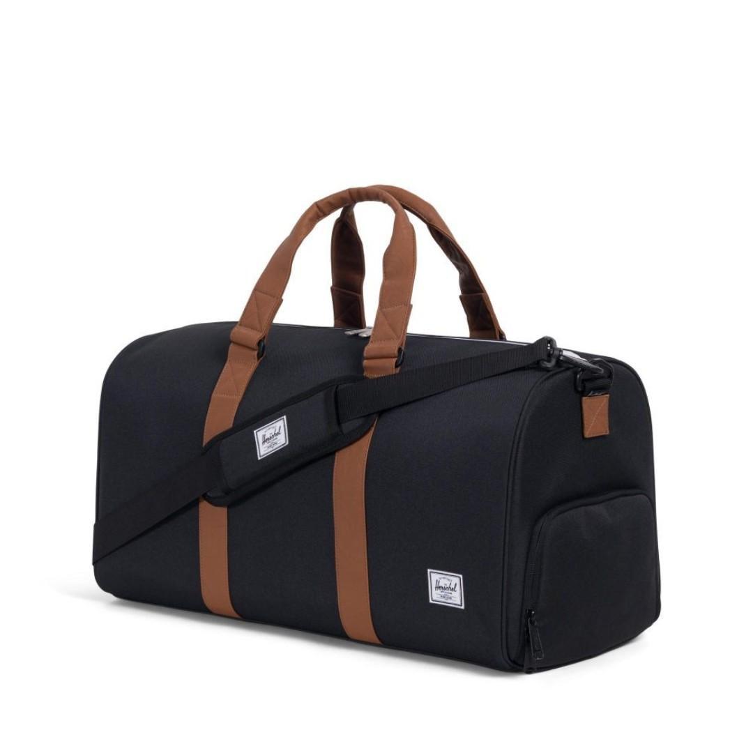 Herschel Supply Co. Novel Duffel Bag Gym bag 42.5L Colour: Black/Tan
