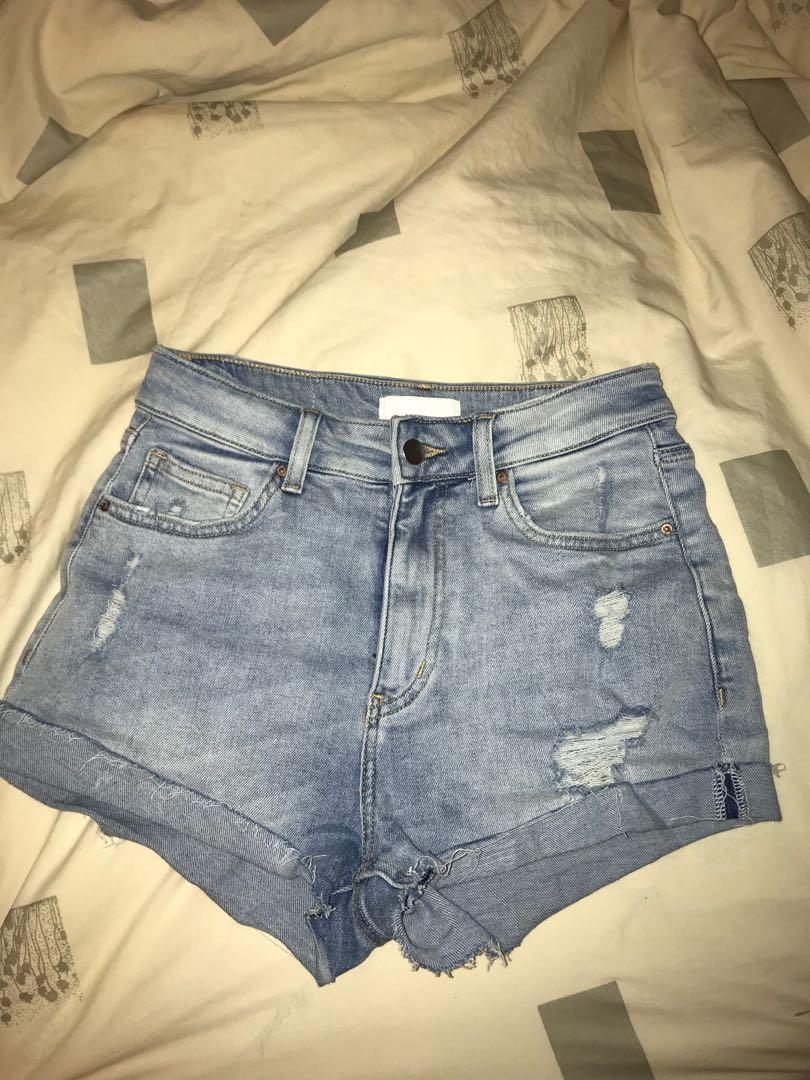 H&M jean shorts - size 4