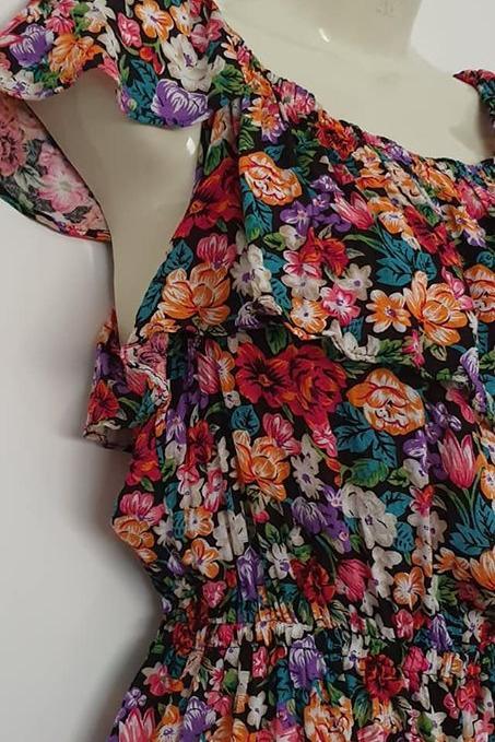 Ladies size 6 Euc Sportsgirl lightweight summer floral playsuit onesie
