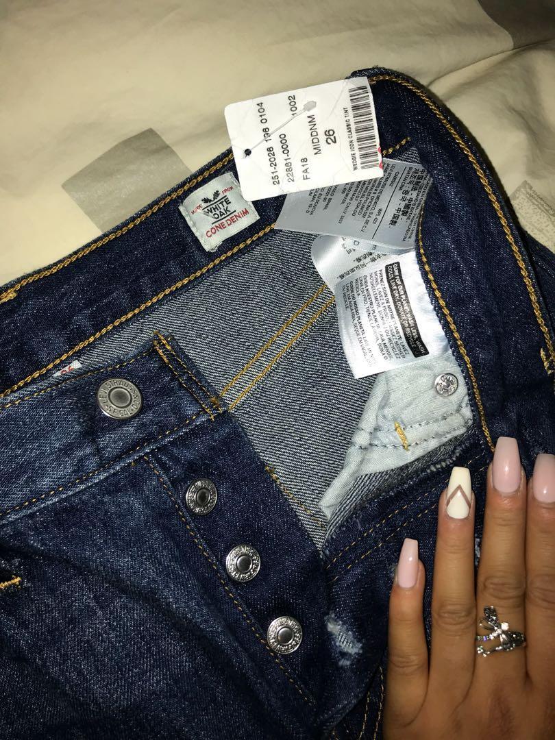 LEVI straight fit dark denim jeans - size 26