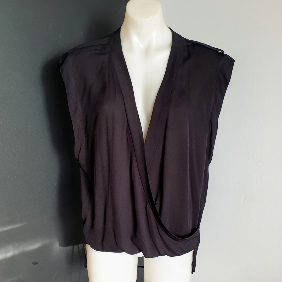 Women's size 10 'WITCHERY' Gorgeous black overlap sleeveless blouse top- AS NEW