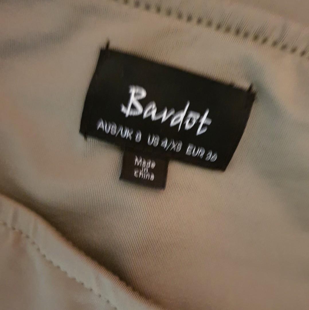 Women's size 8 'BARDOT' Stunning khaki coloured bodycon midi skirt - AS NEW