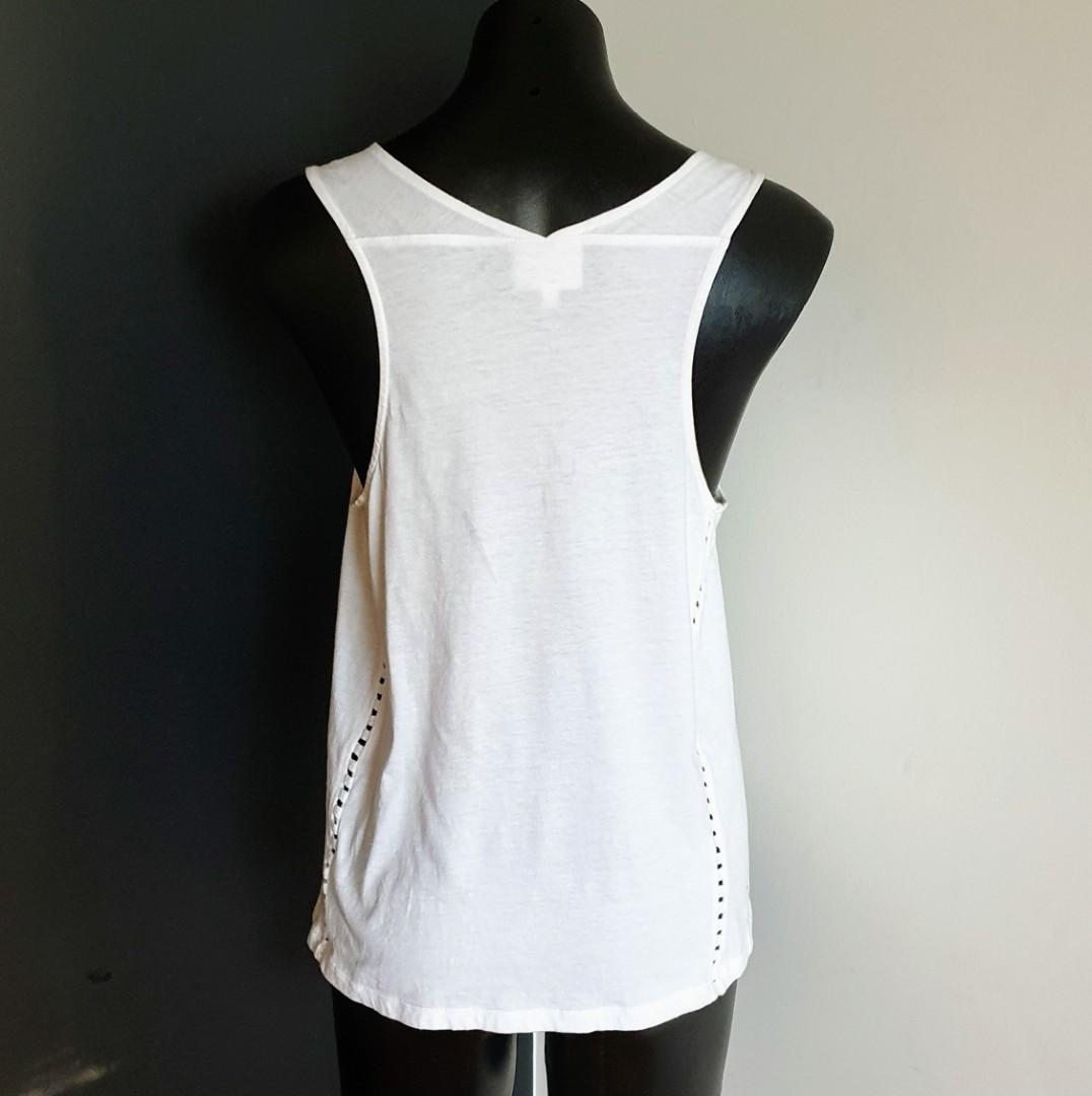 Women's size S 'SEED HERITAGE' Gorgeous white casual sleeveless cotton top - AS NEW