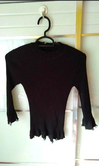 🚚 Black Knitted top