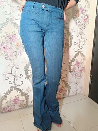 Long Pants Flared Jeans branded GUESS by Marciano size 26