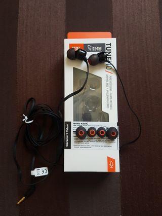 Earphone JBL TUNE110