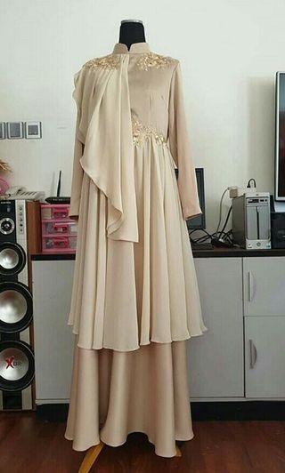 Dress gaun gold