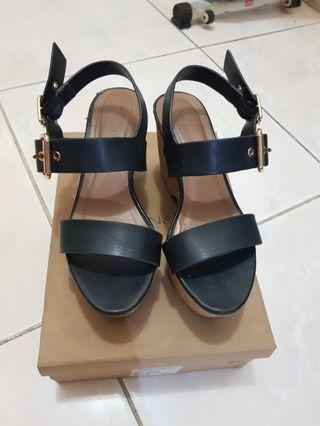 Urban & Co wedges (size 36)