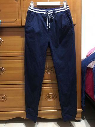 深藍色縮口褲