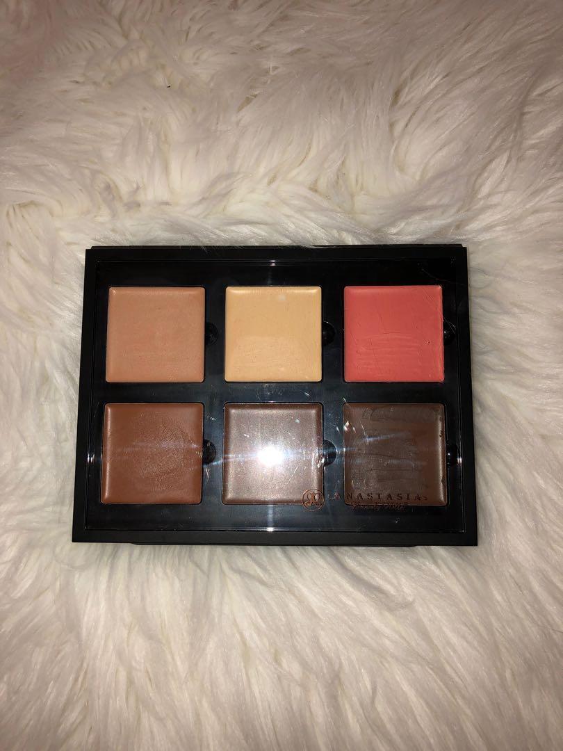 Anastasia Beverly Hills Medium Cream Contour Palette