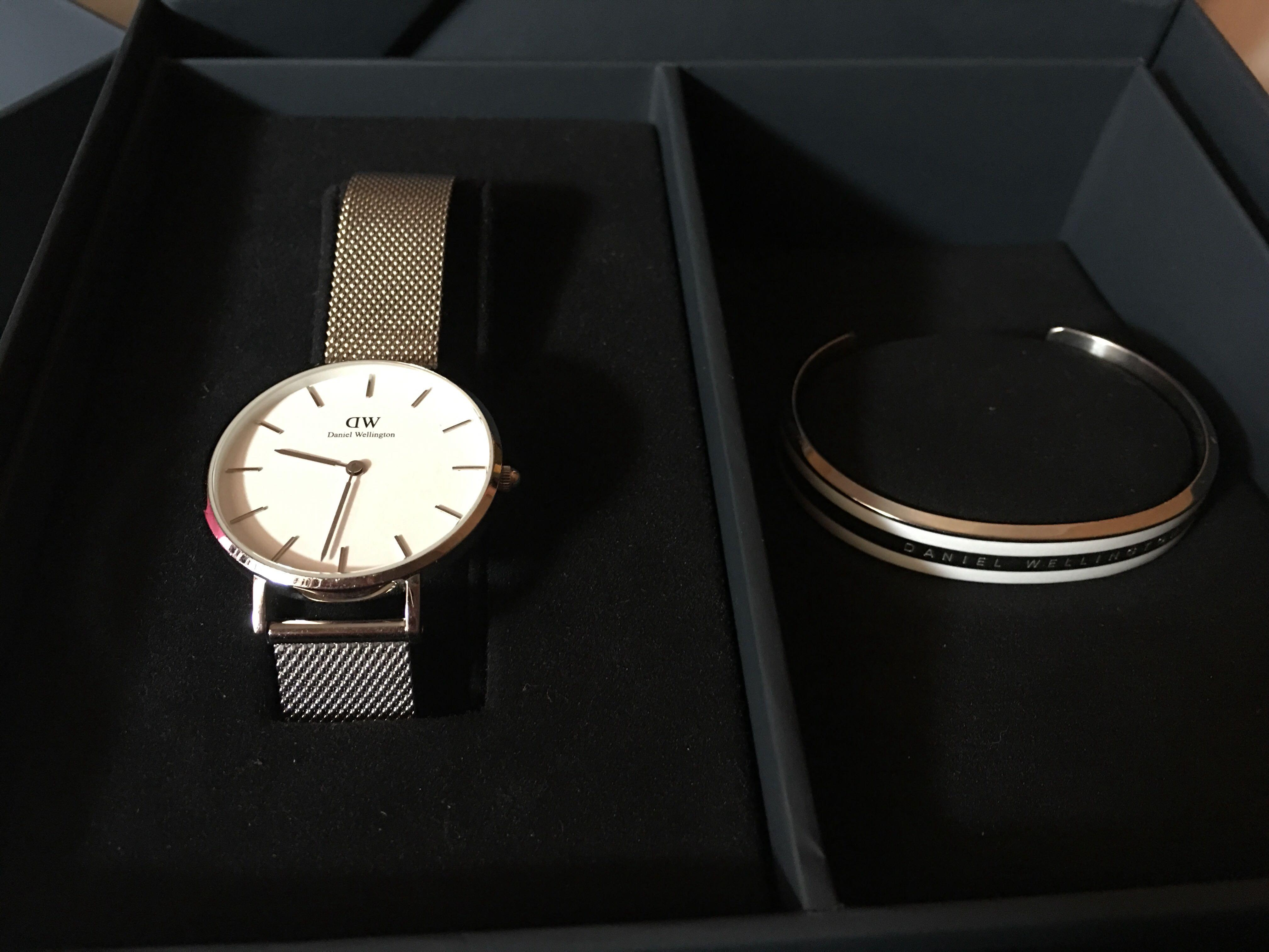 Daniel Wellington DW - Classic Petite Sterling 32mm with Cuff (white-silver)