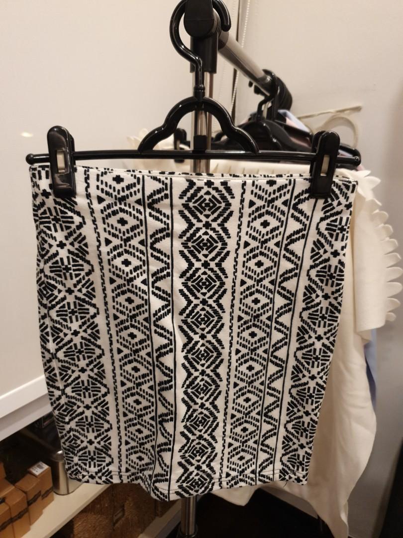 F21 Aztech print Bandage Skirt