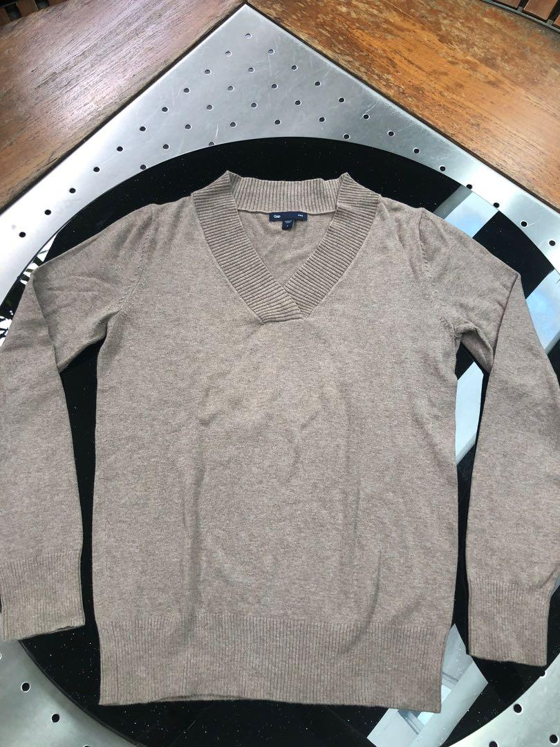 Ladies' GAP Pullover Sweater (Size S)