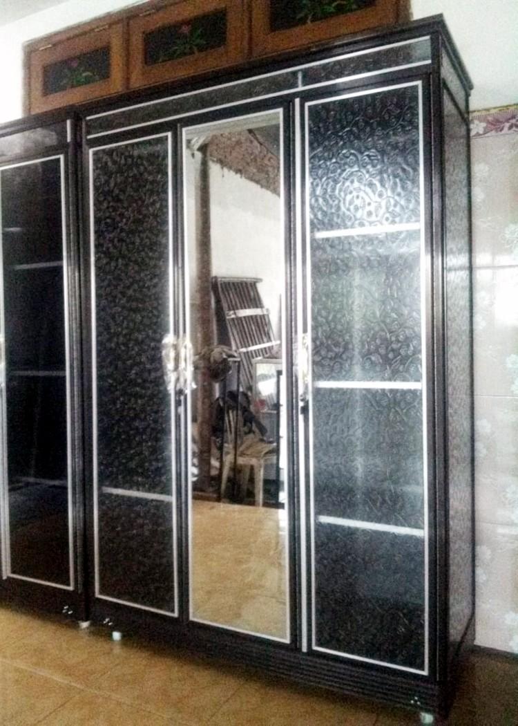Lemari Pakaian Aluminium Frame Coklat Kaca Es 3 Pintu ...