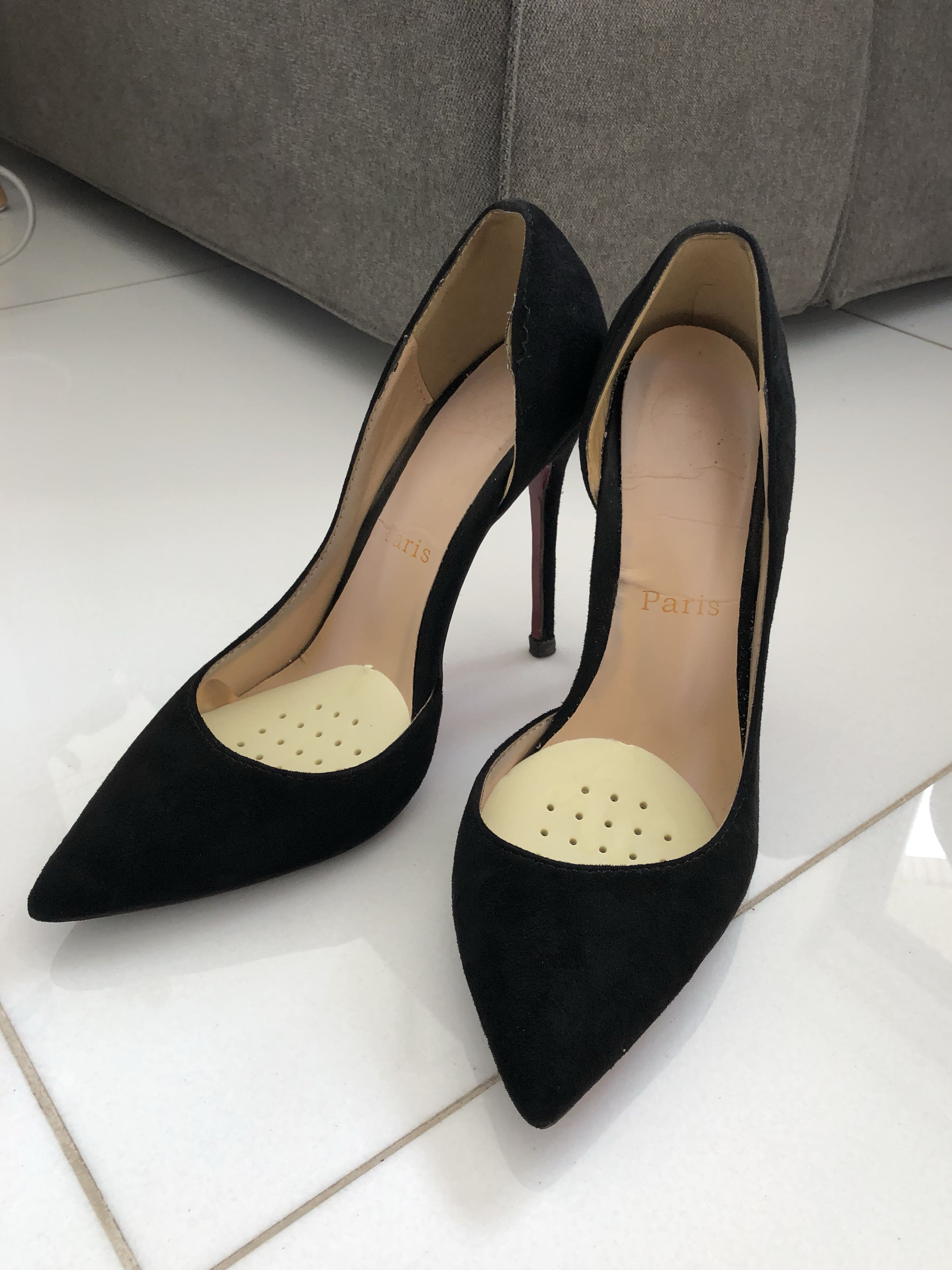 official photos e8fb2 5c596 Louboutin style black suede Kate heels