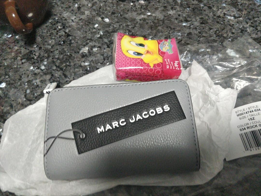 Marc jacobs grey lady wallet. The tag compact wallet