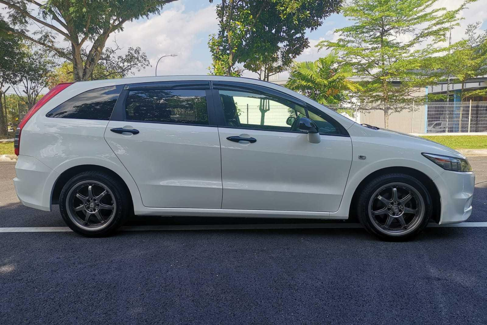 [NEW PAINT AND LEATHER] HONDA STREAM 1.8X A